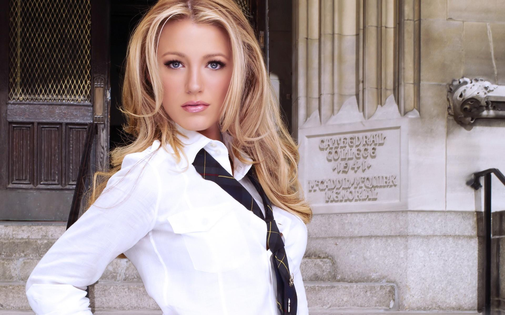 Blake Lively in White shirt 1920x1200 | Magicwallpapers.net