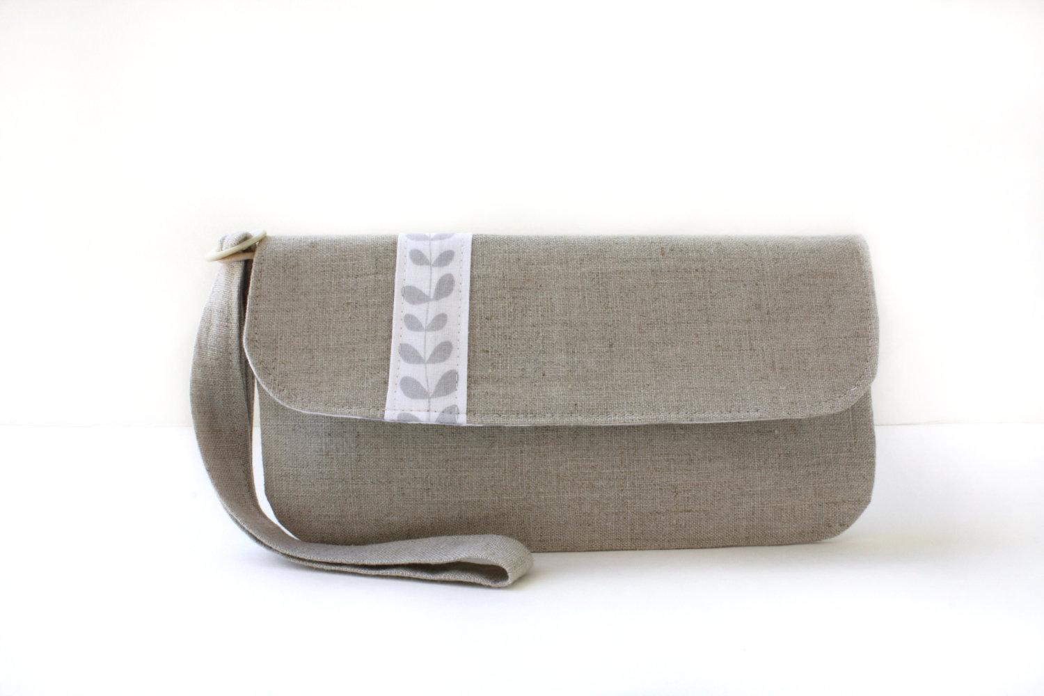Natural Linen Wristlet Clutch with Vintage Button by AppleWhite
