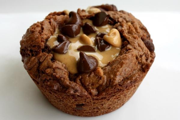 chocolate,peanut chocolate peanut muffins 1600x1067 wallpaper – Chocolate Wallpaper – Free Desktop Wallpaper