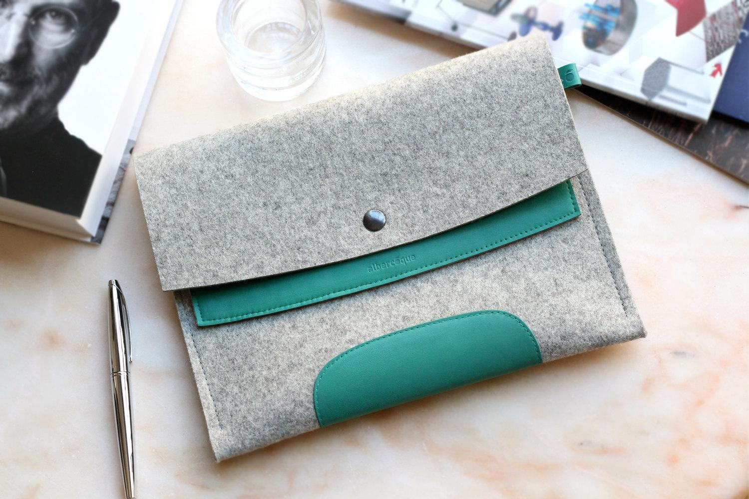 iPad 2 / New iPad Sleeve Jade Green Leather & Light by Albercoque