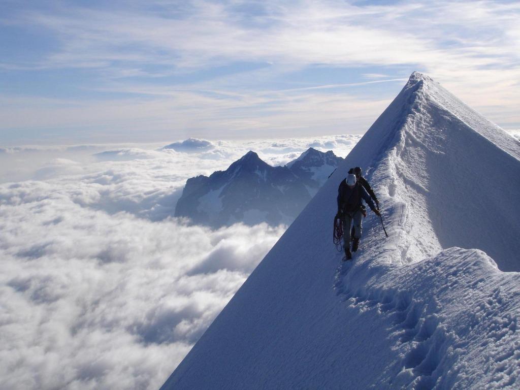 High mountain walking 1024 x 768 Wallpaper   eWallpapers