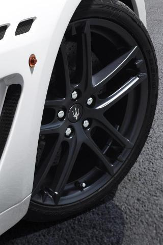 Download Maserati Wheel iPhone Hd Wallpaper - Cars iPhone HD Wallpapers - | iPhone HD Wallpaper