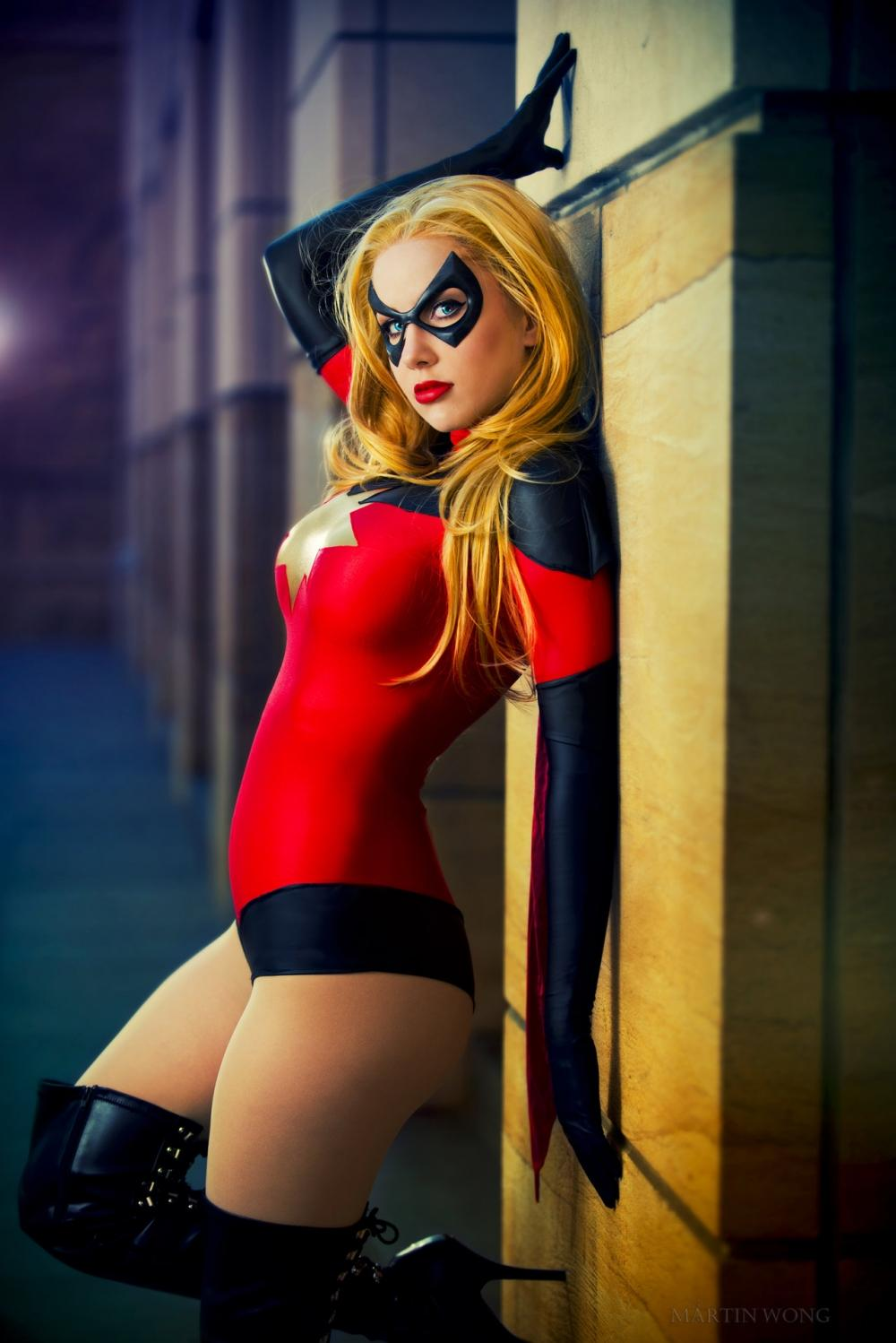 Photos / Moonstone as Ms. Marvel Cosplay on Boxnutt