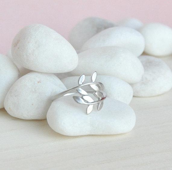 Leaf Ring in Matte Silver Adjustable Ring Size by matoto on Etsy