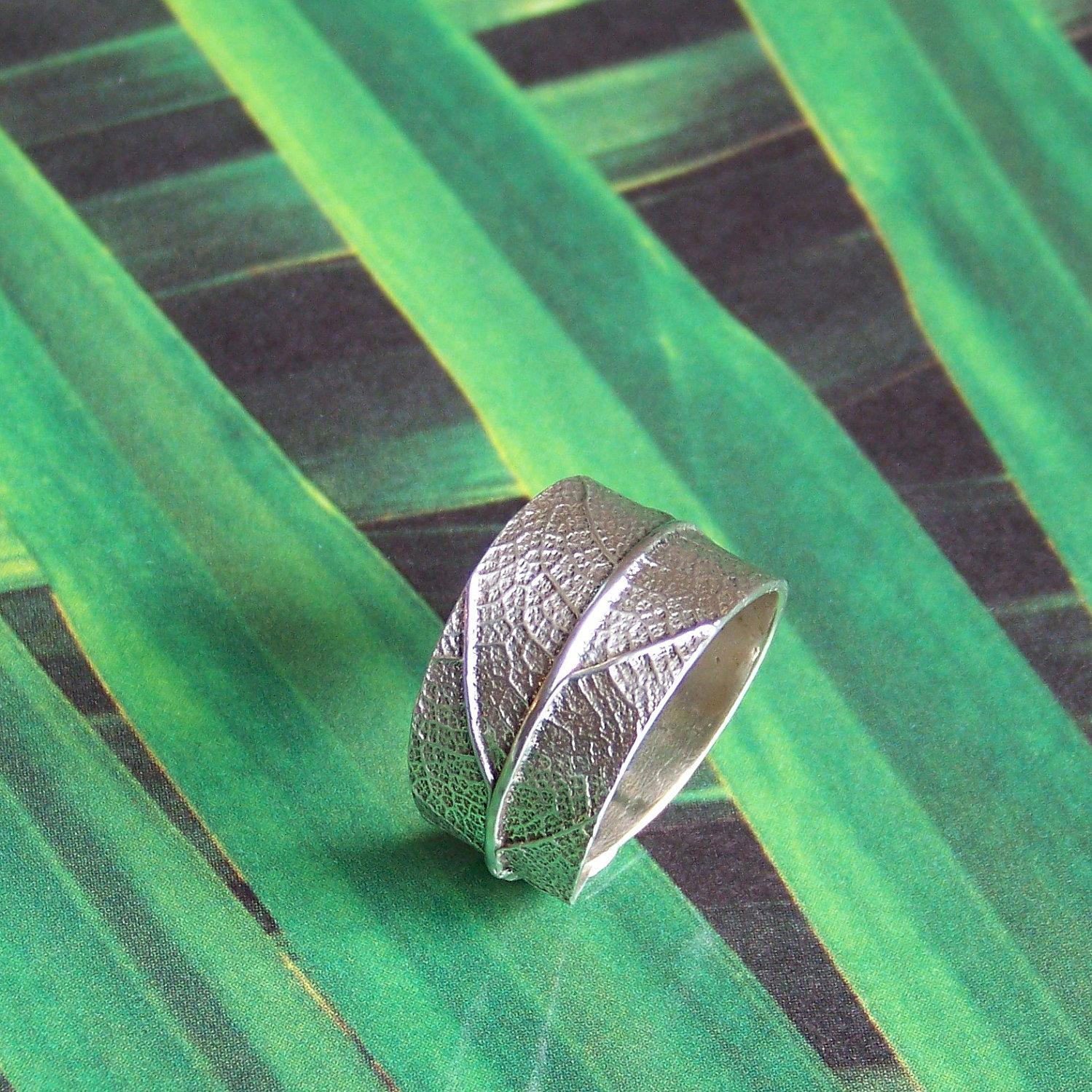 Sterling silver leaf ring by silverlyjewelry on Etsy