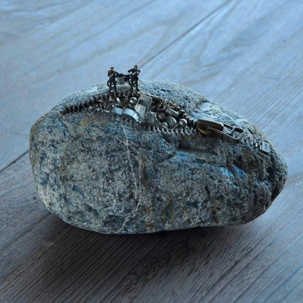 Let's look inside the stones - Stone Sculptures by Hirotoshi Itoh