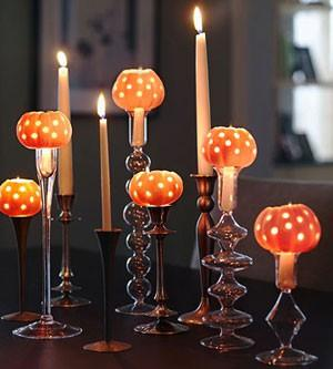 Autumn & Halloween / Drill holes in gourds & add tealight - Hello Halloween!