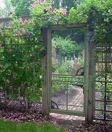 Garden / Old screen door as garden gate