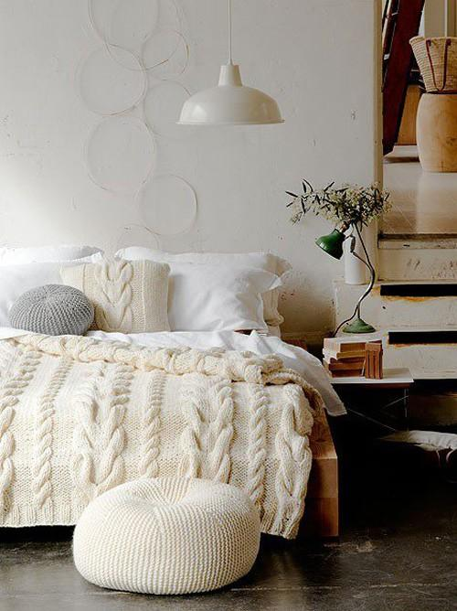 Inspirational Interior Design / Cosy, cosy bedroom (via cosy bedroom | the style files)