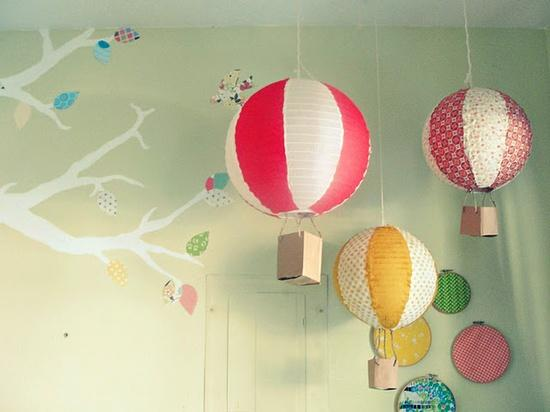 Kids / DIY paper lantern hot air balloon >> SO cute!