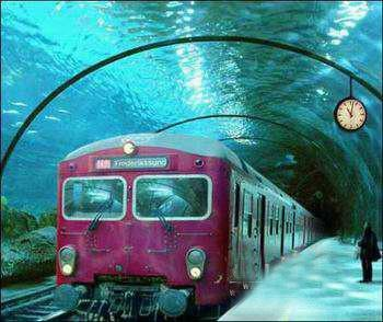 Traveling in Style / Underwater train in Venice