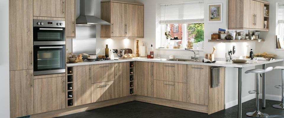 howdens oak kitchens howdens doors kitchen 697